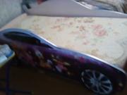 Продам детскую кровать машину